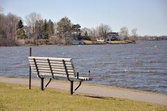 берег реки стула Стоковое Фото