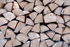 Березовая древесина в woodpile стоковая фотография