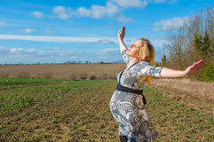 Беременная женщина, неделя 38 беременности стоковое изображение rf