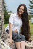 беременная женщина парка Стоковая Фотография RF