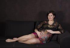 Беременная женщина предпосылки красивая Стоковые Изображения RF
