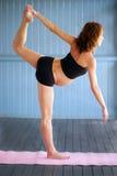 Беременная йога стоковые фотографии rf