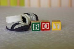 Беременность - блоки младенца и ботинки младенца Стоковые Изображения RF