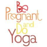 Беременный и сделайте йогу 3 Стоковая Фотография RF