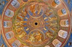 БЕРЛИН, ГЕРМАНИЯ, 15 -ГО ФЕВРАЛЬ -, 2017: Фреска в куполке базилики Rosenkranz Стоковые Фото