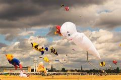 БЕРЛИН, ГЕРМАНИЯ - 22-ОЕ СЕНТЯБРЯ 2018: ЗЕМЛЯ 7 STADT UND Фестиваль змея стоковое изображение rf
