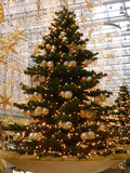 БЕРЛИН, 18-ое декабря. Торговый центр украшения рождества в Берлине Стоковое Изображение RF