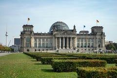 БЕРЛИН, GERMANY/EUROPE - 15-ОЕ СЕНТЯБРЯ: Reichstag в Берлине Стоковые Фото