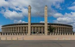 Берлин Olympiastadion, самый большой футбольный стадион в Германии стоковые изображения rf