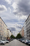 Strelitzer Strasse и немец Fernsehturm башни телевидения Belin Стоковые Фото