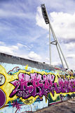 Надпись на стенах Mauerpark и столб света Стоковое Изображение RF