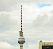Берлин, символ башни ТВ города Стоковые Фотографии RF