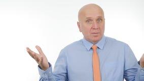 Беседа бизнесмена и жестикулировать в интервью дела стоковое фото