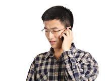 Беседа человека на телефоне стоковые изображения