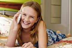 беседуя девушка предназначенная для подростков Стоковые Изображения