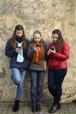 Беседовать девушек Стоковые Фотографии RF