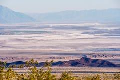 Бесконечный ландшафт на Death Valley Калифорния стоковое фото