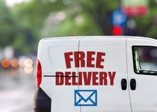 Бесплатная доставка, фургон на улице города Стоковая Фотография RF
