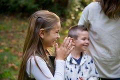 Беспристрастная потеха парка с детьми Стоковые Фото