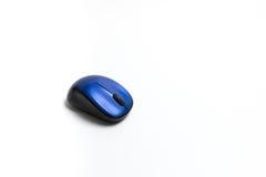 Беспроволочной предпосылка bluetooth изолированная мышью белая Стоковые Фото