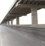 Бетонная конструкция моста цемента изолировала белую предпосылку мы Стоковые Фото