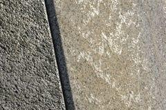 Бетонная стена цемента панели, на всей предпосылке стоковое изображение rf