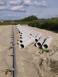 бетон пускает сточную трубу по трубам Стоковые Фотографии RF