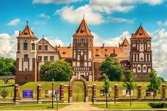 Беларусь: Замок Mir в лете стоковое изображение rf