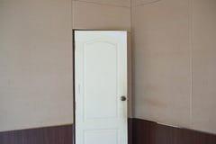 Белая дверь Стоковые Фотографии RF