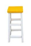 Белая и желтая деревянная табуретка изолированная ручной работы Пэт клиппирования Стоковая Фотография