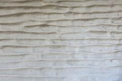 Белая и worn текстура стены сделанная кирпичей самана Стоковые Изображения RF
