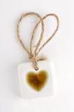 Белая каменная бирка с символом сердца стоковая фотография rf