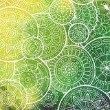 Белая картина с формой круга Абстрактные мандалы Doodle Дизайн шаблона круга с выплеском акварели Стоковое фото RF