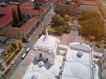 Белая крыша собора Стоковые Изображения