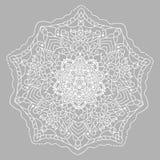 Белая мандала вектора на серой предпосылке Линия картина с флористическим орнаментом Стоковые Изображения