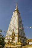 Белая пагода, золотой, белая, небо, синь, квадрат Стоковые Фото
