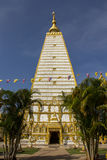 Белая пагода, золотой, белая, небо, синь, квадрат Стоковые Изображения RF