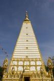 Белая пагода, золотой, белая, небо, синь, квадрат Стоковое Фото