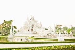 Белая пагода на тайском виске, Khonkaen Стоковое Фото