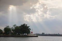 Белая пагода на Koh Kred Nontaburi Таиланде Стоковые Изображения RF
