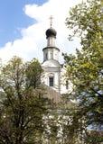 Белая православная церков церковь в Москве, России Стоковое Изображение RF