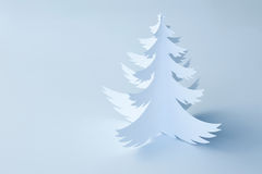 Белая рождественская елка Handmade бумаги - горизонтальная стоковое фото rf