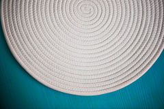 Белая салфетка в форме спирали винта текстура, конец стоковые изображения rf