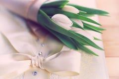 Белая свадьба шнурка тюльпана Стоковое Изображение
