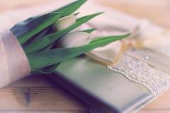 Белая свадьба шнурка тюльпана Стоковые Изображения