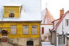 Белая старая башня в Parnu, Эстонии Стоковое фото RF