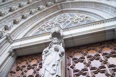 Белая статуя священного камня Стоковые Фото