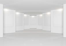 Белая стена в галерее Стоковое фото RF
