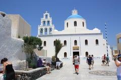 Белая христианская церковь против голубого неба Стоковые Изображения RF