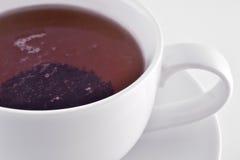 Белая чашка с черным чаем Стоковое фото RF